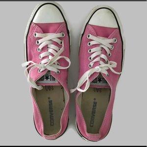 pink converse low heel sneakers